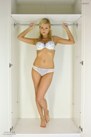 Roumeyssa latex escorts in Formby, UK